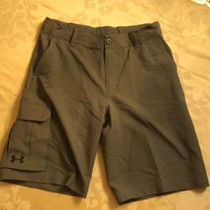 Under Armour Size YLG Gray Hiking Shorts